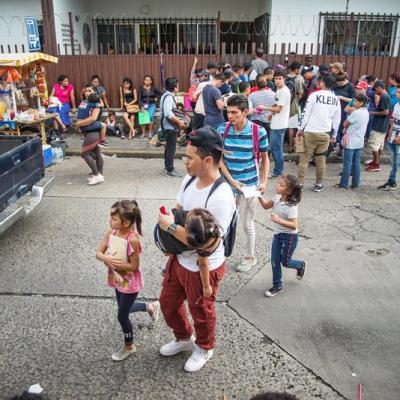 Si es necesario, a niños migrantes los hacemos mexicanos: AMLO
