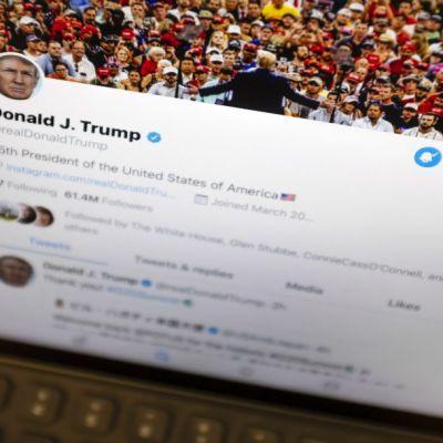 Próximos tuits ofensivos de Trump podrán ser tapados por una advertencia, informa Twitter