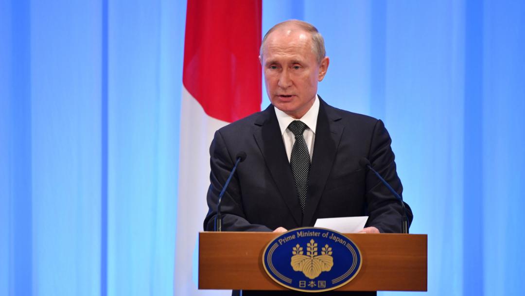 Foto. El presidente ruso Vladimir Putin habla durante una conferencia de prensa en la Cumbre del G20 en Osaka, Japón, 29 junio 2019
