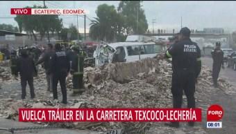 Vuelca tráiler en la carretera Texcoco-Lechería; muere una persona