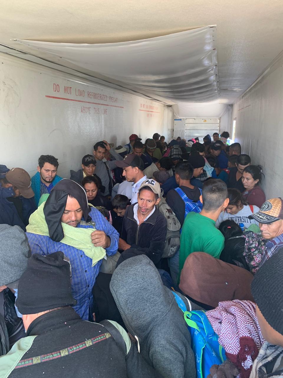 Foto: La detención de las unidades y el rescate de los migrantes ocurrieron en dos operativos, el 15 de junio de 2019 (Noticieros Televisa)