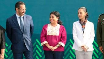 Foto: Jesús Orta, Clara Brugada y Claudia Sheinbaum en la entrega oficial, 19 de julio de 2019 (SSC)