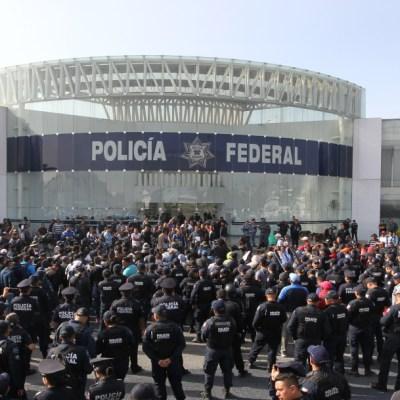 AMLO celebra acuerdo con Policía Federal; continúa selección de Guardia Nacional