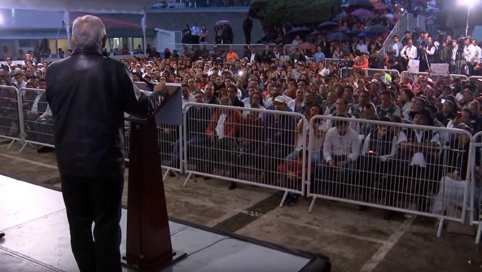Foto: Entre los asistentes hubo grupos que abuchearon al gobernador de Michoacán, Silvano Aureoles, del PRD, el 13 de julio de 2019 (Gobierno de México)