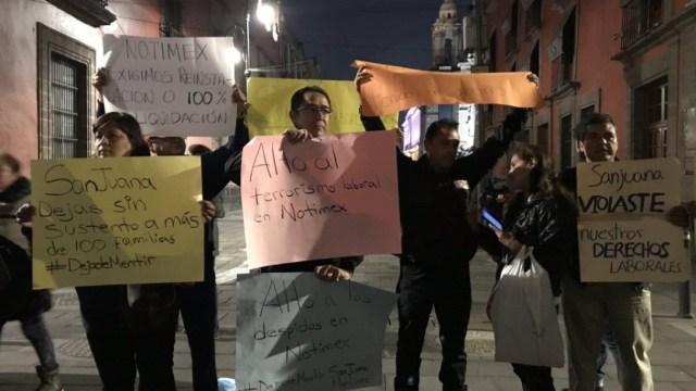 FOTO Despidos injustos en Notimex son mentira, dice AMLO (Twitter @novalick)