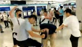 Foto: Ataque en el metro de Hong Kong, 22 de julio de 2019, China