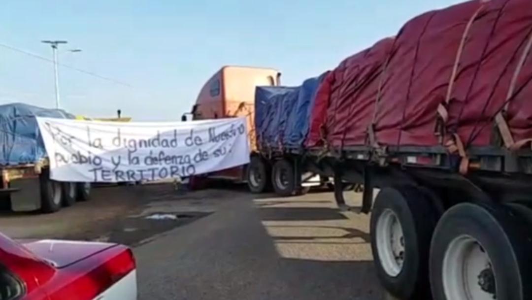 Foto: Habitantes de la comunidad de San Dionioso Ocotepec, Oaxaca bloquearon la carretera Panamericana, 12 de julio de 2019 (Noticieros Televisa)