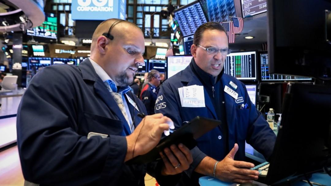 Foto: Los comerciantes trabajan en el piso de la Bolsa de Nueva York (NYSE) en Nueva York, Estados Unidos, 8 de julio de 2019 (Reuters)