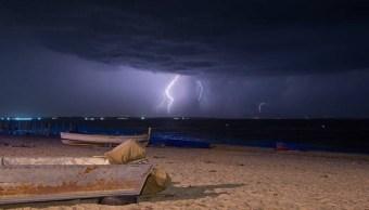 Foto Cae rayo en playa de Florida e hiere a 8 personas 22 julio 2019
