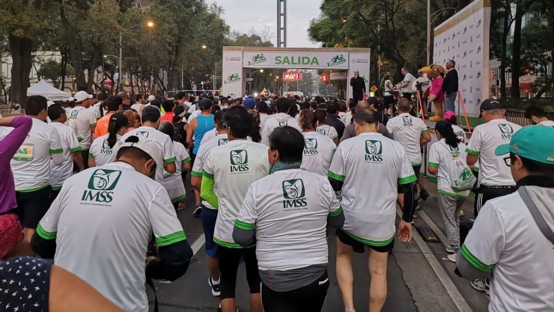 Foto: Participan más de 2 mil personas en la carrera Bienestar 2019 del IMSS, mujeres y hombres recorrieron 5 y 10 kilómetros, julio 7 de 2019 (Twitter: @ursulss)