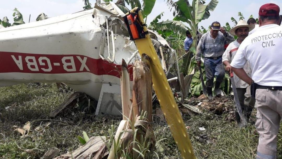 Foto: Una avioneta tipo Cessna matrícula XD-BGA se desplomó cuando realizaba labores de fumigación, el 10 de julio de 2019 (Noticieros Televisa)