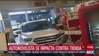 FOTO: Choca camioneta contra tienda de conveniencia