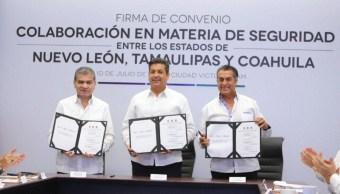 Foto: La firma del Convenio de Seguridad entre los gobiernos de Coahuila, Tamaulipas y Nuevo León, 10 de julio de 2019. (Twitter, @jm_fraustro)