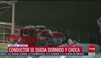 FOTO: Conductor se queda dormido y destruye su auto en Tonalá, Jalisco