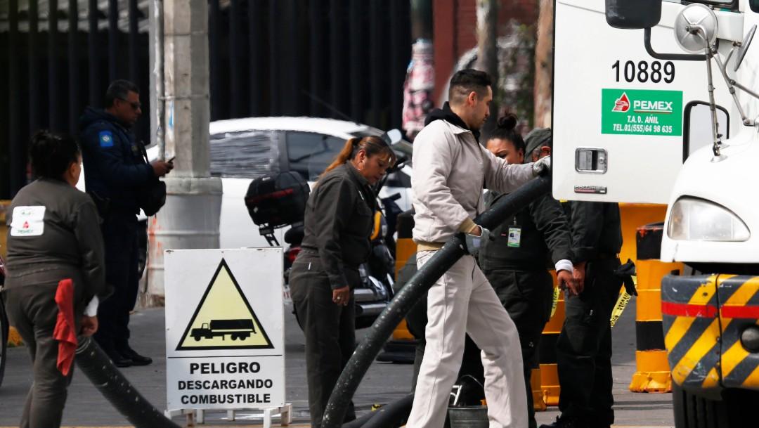 Foto: Descarga de gasolina en México, 14 de enero de 2019, Ciudad de México
