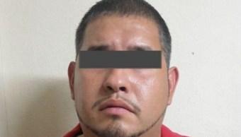 FOTO: El detenido fue entregado a las autoridades estadounidenses, 25 de julio de 2019 (Twitter @FiscaliaNL)