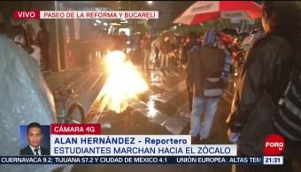 Foto: Estudiantes marchan hacia el Zócalo capitalino