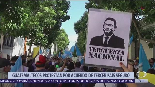 Exigen renuncia del presidente de Guatemala tras firma de acuerdo