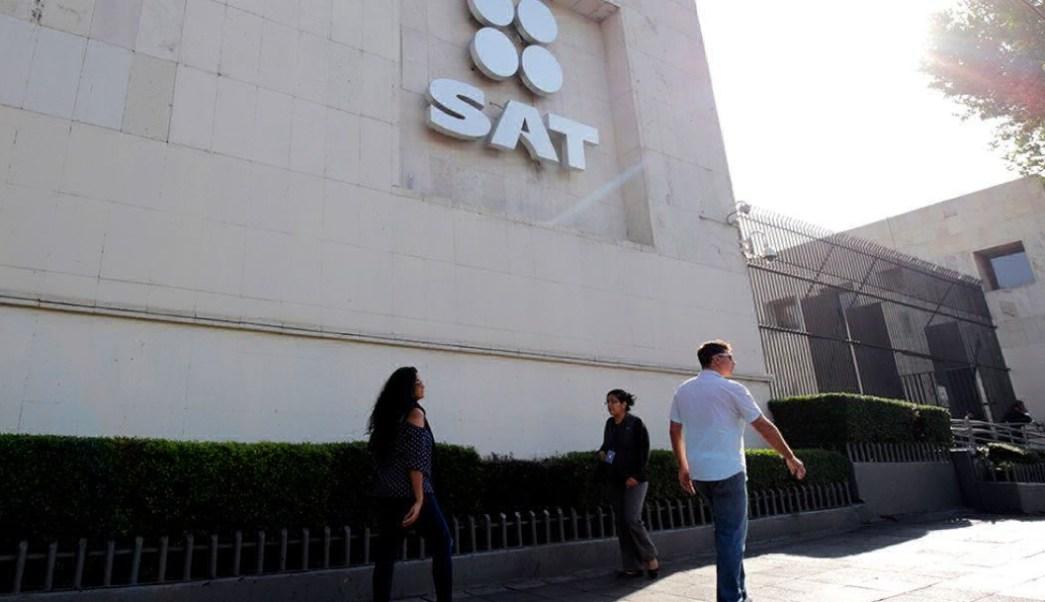 SAT confirma adeudo fiscal de expresidente