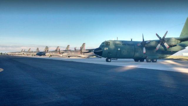 Foto: Aeronaves del Ejército mexicano paradas en la Base Aérea de Santa Lucia