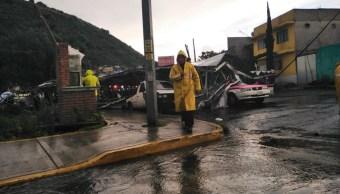 Foto: Un espectacular cayó sobre varios coches en la autopista México-Puebla. El 4 de julio de 2019