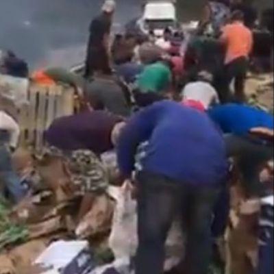 Muere calcinado chofer de tráiler mientras pobladores cometían rapiña