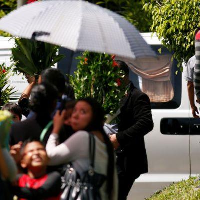 Sepultan a padre e hija migrantes muertos en el Río Bravo