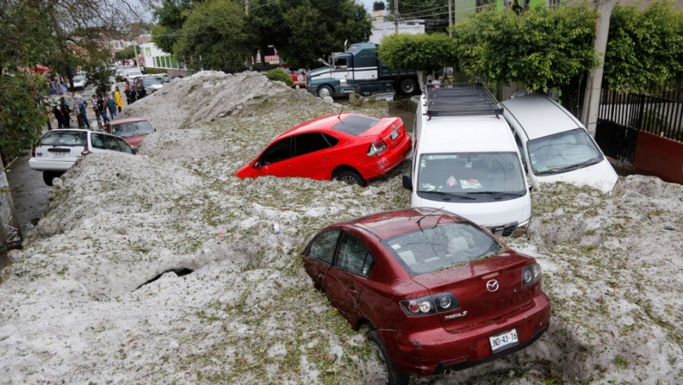 FOTO Granizada en Guadalajara afecta autos y casas (EFE 30 junio 2019)