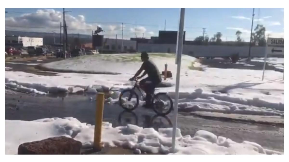 FOTO Granizada cubre de blanco calles de San Miguel de Allende, Guanajuato (Twitter)
