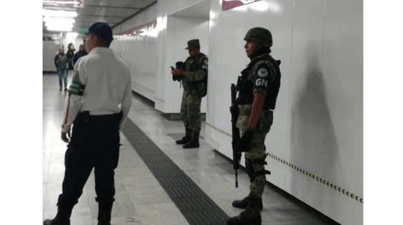 FOTO Guardia Nacional vigila estaciones del Metro CDMX (Metro CDMX)