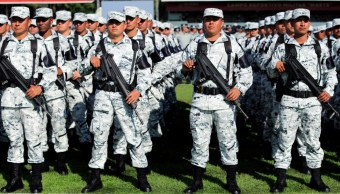 Detienen a tres por vender insignias de la Guardia Nacional en Naucalpan