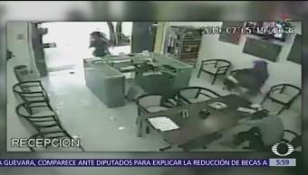 Hombres armados asaltan colegio en la colonia Condesa, CDMX