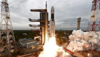 Foto: India lanza exitosamente su misión a la Luna. (EFE)