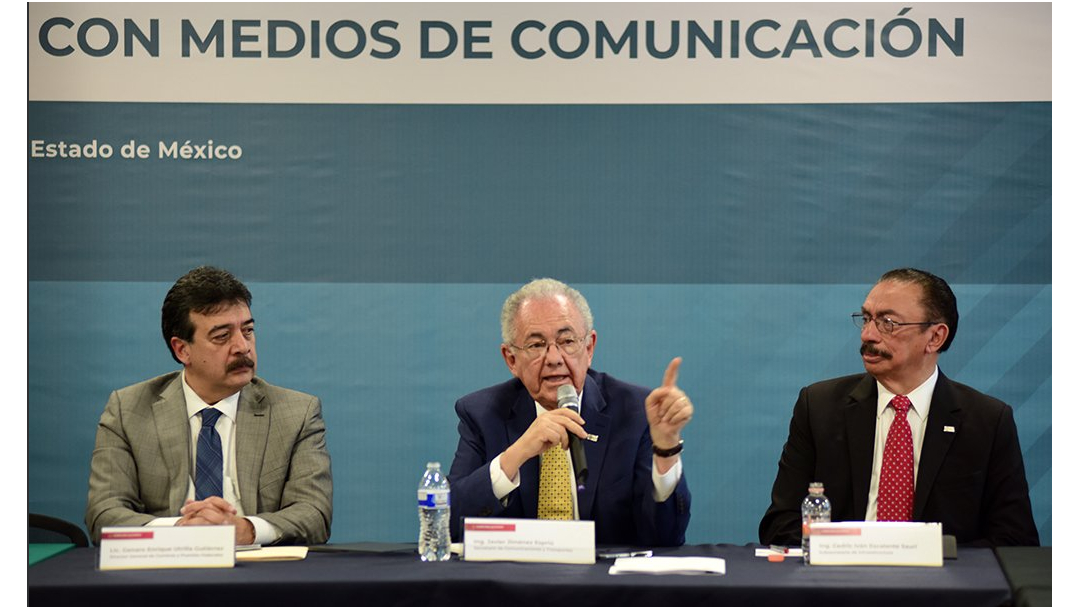 Javier Jiménez Espriú, secretario de Comunicaciones y Transportes, en conferencia de prensa