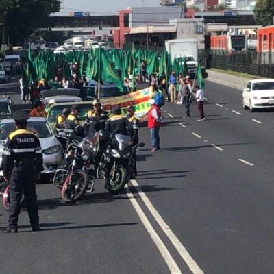 Marchan campesinos de México en CDMX, entregan pliego petitorio en Palacio Nacional