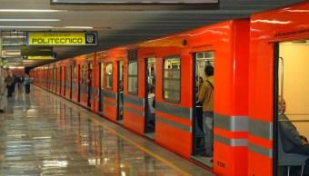 Se arroja una persona a vías del Metro en la Línea B