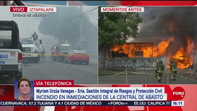FOTO: Myriam Urzú́a habla del incendio en inmediaciones de la Central de Abasto en CDMX