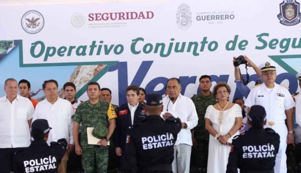 """Foto: En el operativo de seguridad """"Verano 2019"""" los policías municipales realizan labores de proximidad social y prevención de la comisión de delito, 14 de julio de 2019 (Twitter @SSPGro)"""
