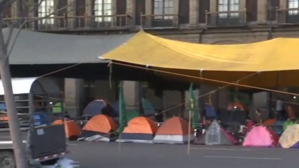 Foto: Manifestantes mantienen plantón en el Zócalo, 23 de julio de 2019, Ciudad de México