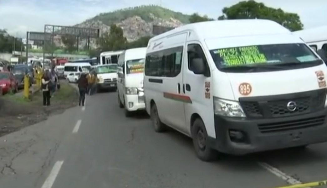FOTO Policías federales protestan en la autopista México-Pachuca, a la altura de Tlalnepantla (FOROtv)