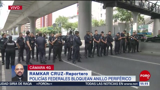 Policías federales bloquean Periférico sur, en CDMX