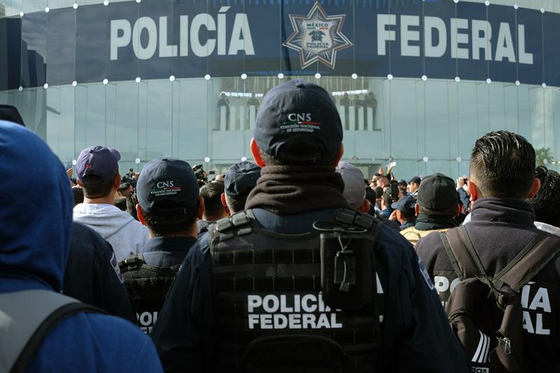 Foto: protesta de policías federales, 3 de julio 2019. EFE