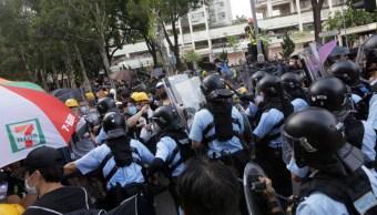 """Foto: Esta nueva protesta se produce cuatro días después de que la líder de Hong Kong, Carrie Lam, anunciara la """"muerte"""" de un proyecto de ley de extradición, el 13 de julio de 2019 (AP)"""