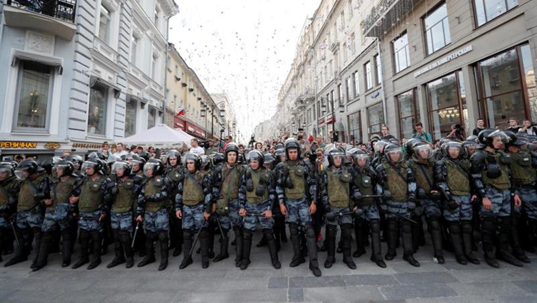 Foto: De acuerdo con la ley rusa, el lugar y la duración de una manifestación debe acordarse de antemano con las autoridades, 27 de julio de 2019 (EFE)