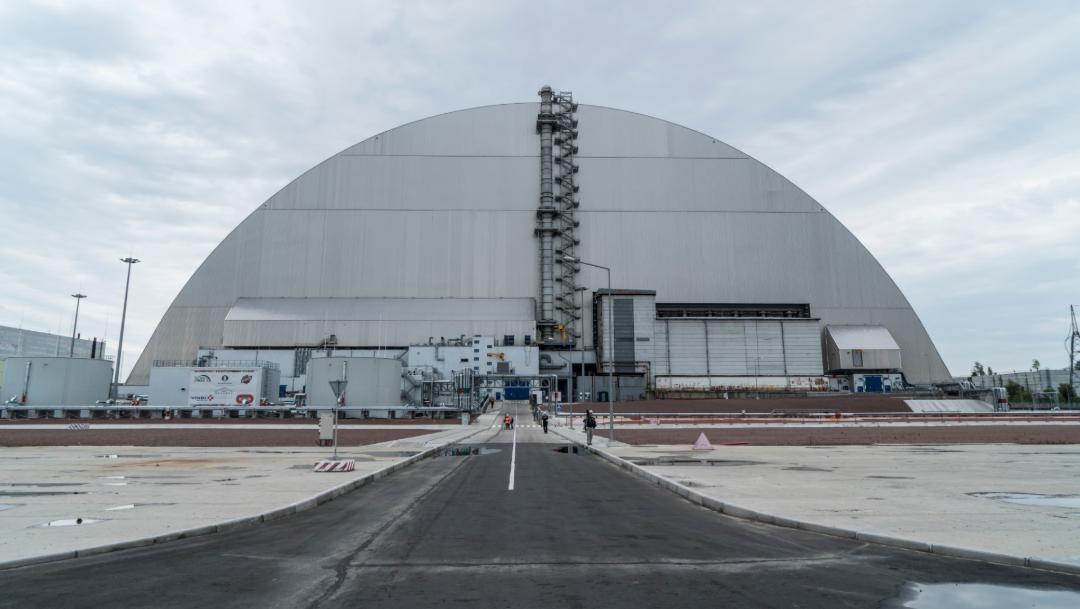 Foto: El nuevo arco protector mide 110 metros de altura, 150 de ancho, 256 de largo y pesa más de 30,000 toneladas. 10 julio 2019