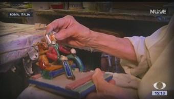 Tienda en Roma repara juguetes antiguos