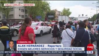 Trabajadores marchan en demanda de mejor servicio de salud