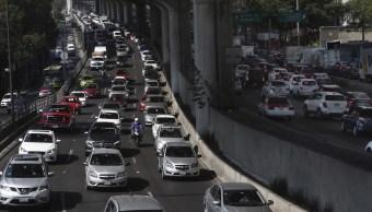 El jueves no circulan los autos con calcomanía verde