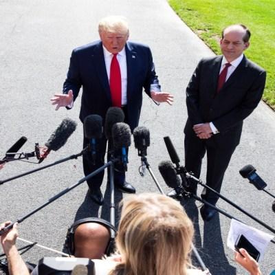 Trump confirma que redadas empezarán el domingo y deportarán a 'miles'