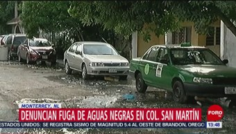 Vecinos denuncian fuga de aguas negras en Monterrey, Nuevo León